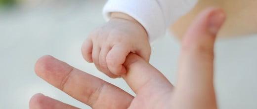 Tener un hijo por adopción de embriones
